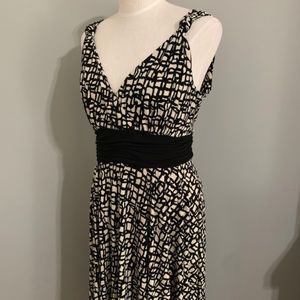 Liz Claiborne Size 12 Sleeveless Dress
